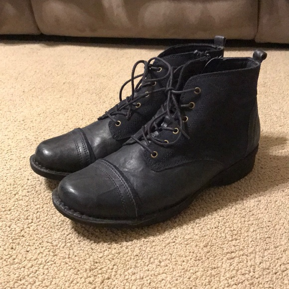 "2dc7fe79 Clark's ""whistle watch"" women's lace-up ankle boot"